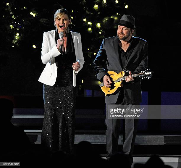 Jennifer Nettles and Kristian Bush of Sugarland perform during the 2011 Country Christmas at the Bridgestone Arena on November 10 2011 in Nashville...