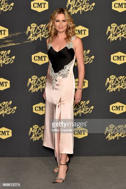 Jennifer Nettles attends the 2018 CMT Music Awards at Bridgestone Arena on June 6 2018 in Nashville Tennessee