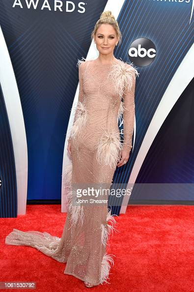 Jennifer Nettles attends the 52nd annual CMA Awards at the ...