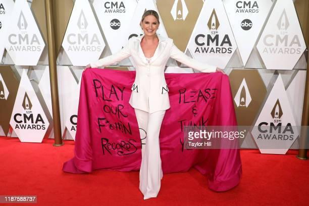 Jennifer Nettles attends the 53nd annual CMA Awards at Bridgestone Arena on November 13, 2019 in Nashville, Tennessee.