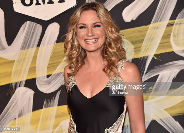 Jennifer Nettles of musical duo Sugarland attends the 2018 CMT Music Awards at Nashville Municipal Auditorium on June 6 2018 in Nashville Tennessee