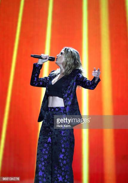 Jennifer Nettles of musical group Sugarland performs onstage during the 2018 iHeartCountry Festival By AT&T at The Frank Erwin Center on May 5, 2018...