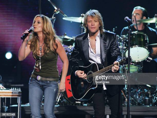 Jennifer Nettles of Sugarland and Jon Bon Jovi perform at the 39th Annual Country Music Association Awards at Madison Square Garden November 15 2005...