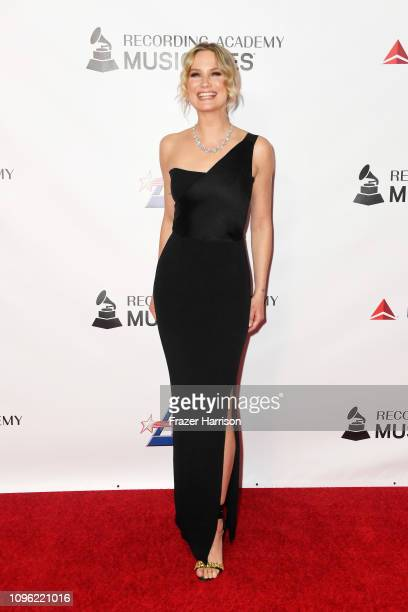 Jennifer Nettles of Sugarland attends MusiCares Person of the Year honoring Dolly Parton at Los Angeles Convention Center on February 8, 2019 in Los...