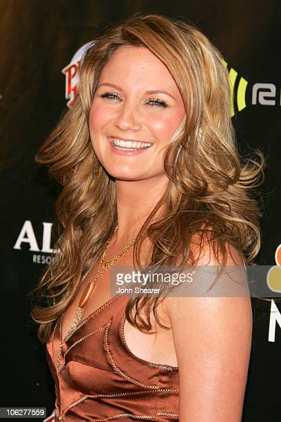 Jennifer Nettles of Sugarland nominee Song of the Year/Country Radio for Baby Girl