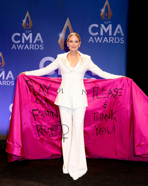 TN: The 53rd Annual CMA Awards - Press Room