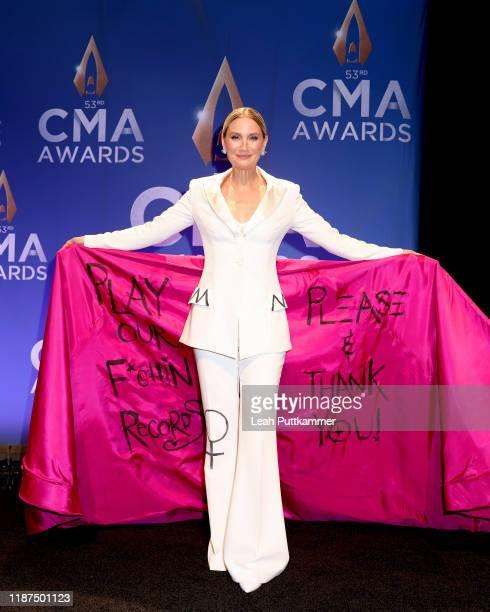 Jennifer Nettles speaks in the press room of the 53rd annual CMA Awards at the Bridgestone Arena on November 13 2019 in Nashville Tennessee
