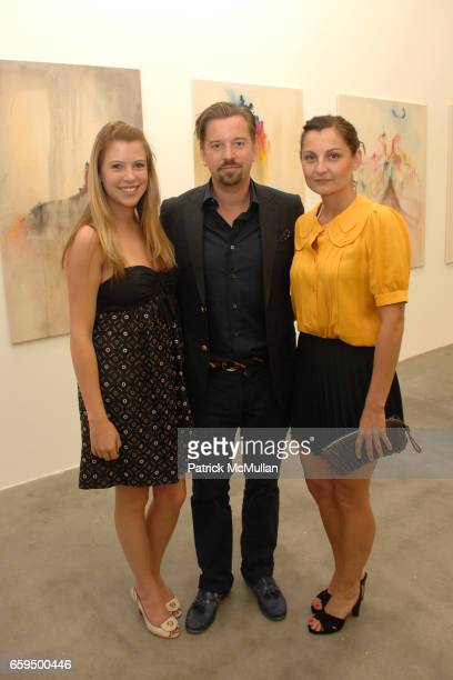 Jennifer Philips Friedrich Kunath and Julian Kunath attend Blum Poe Inaugural Preview and 15 Anniversary at Blum Poe Gallery on October 2 2009 in Los...