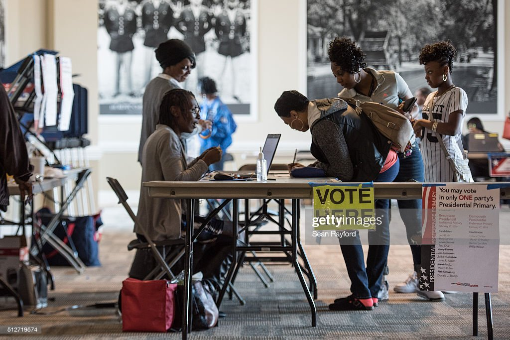 Voters In South Carolina Head To The Polls In The State's Democratic Primary : News Photo
