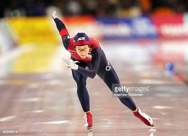 Jennifer Rodriguez competes in the 1000 meter event January 22 2005 during the World Sprint Speed Skating Championships at the Utah Olympic Oval in...