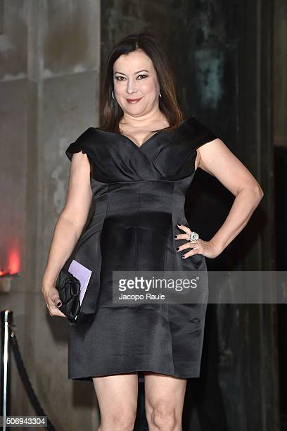 Jennifer Tilly arrives at the Giorgio Armani Prive fashion show Paris Fashion Week Haute Coture Spring /Summer 2016 on January 26 2016 in Paris France