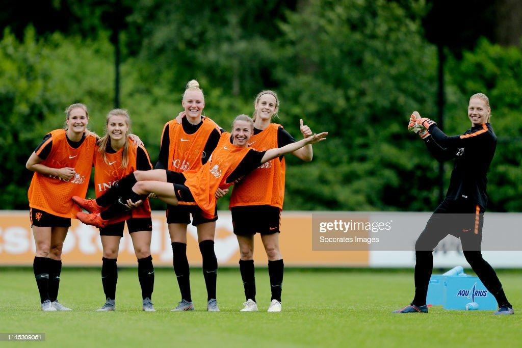 Training Holland Women : News Photo