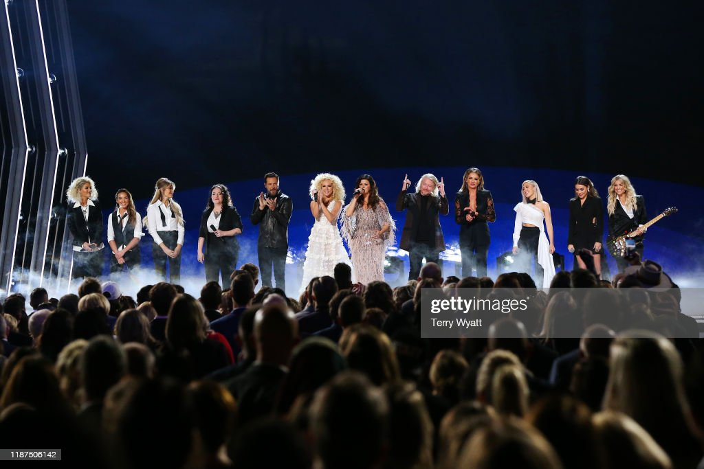 The 53rd Annual CMA Awards - Show : News Photo