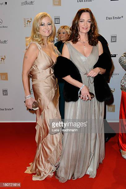 Jenny Elvers Elbertzhagen and Natalia Woerner attend the Red Carpet for the Bambi Award 2011 ceremony at the RheinMainHallen on November 10 2011 in...