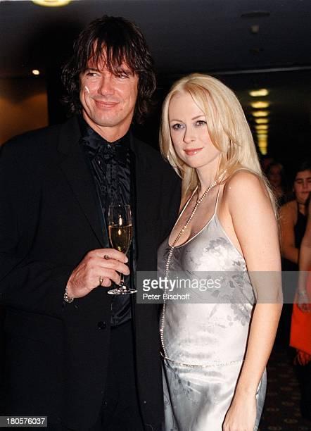 Jenny Elvers Lebensgefährte Alexander Jolig Unesco BenefizGalaKinder in Not Swissotel NeussWohltätigkeitsgala BallSaalBallKleidung Kleid...