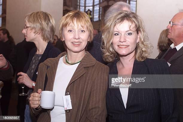 Jenny Gröllmann Anne Kasprik 'BerlinaleBrunch' des'Verbandes DeutscherSchauspielerAgenturen eV' Berlin'Theater des Westens' Becher Kaffee Tee