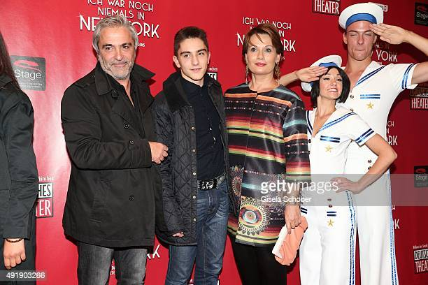 Jenny Juergens daughter of Udo Juergens and her husband David Carreras Solé and stepson Matteo during the Munich premiere of the musical 'Ich war...
