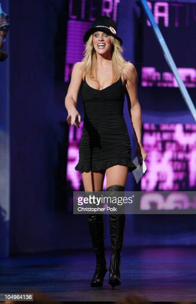 Jenny McCarthy presenter for Soul/Rythm Blues Favorite Female