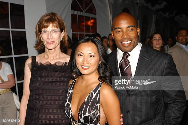 Jenny Morgenthau Ginny Barber and Tiki Barber attend The Fresh Air Fund Spring Gala honoring American Heroes at Tavern On the Green on June 1 2006 in...