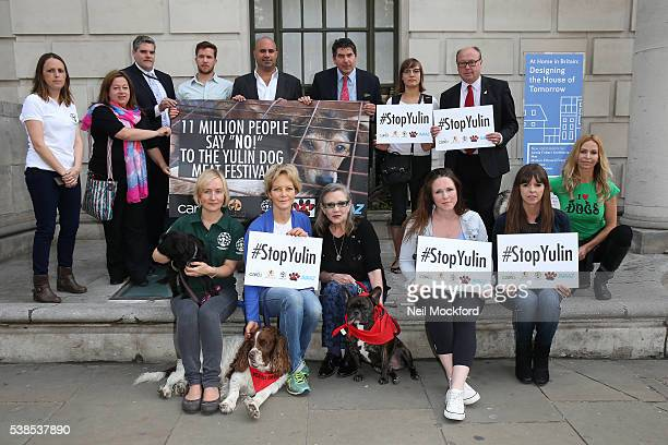 Jenny Seagrove Carrie Fisher Sandi Thom and Victoria Stilwell attend a photocall as campaigners submit an 11 million signature petition calling for...