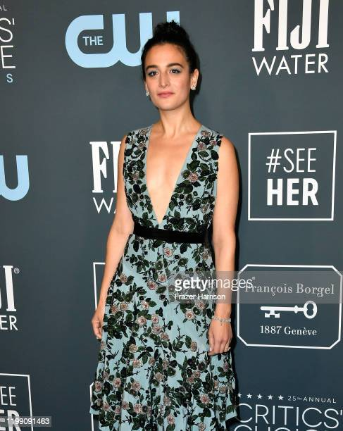 Jenny Slate attends the 25th Annual Critics' Choice Awards at Barker Hangar on January 12, 2020 in Santa Monica, California.