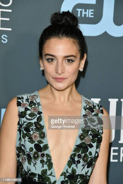 Jenny Slate attends the 25th Annual Critics' Choice Awards held at Barker Hangar on January 12, 2020 in Santa Monica, California.