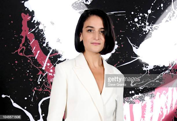 "Jenny Slate attends the photo call for Columbia Pictures' ""Venom"" at the Four Seasons Hotel Los Angeles at Beverly Hills on September 27, 2018 in Los..."