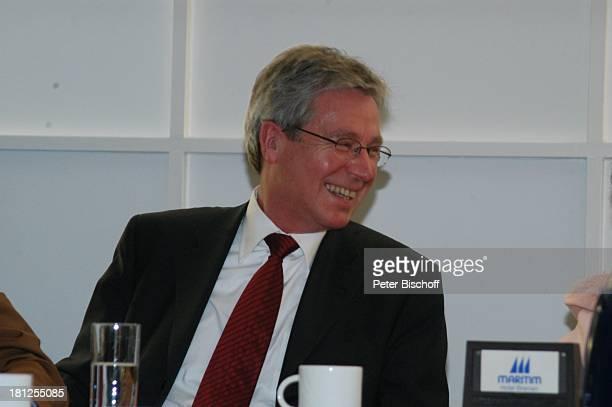 Jens Böhrnsen Pressekonferenz vor Startschuss zum 42Bremer 6TageRennen mit J o h a n n e s H e e s t e r s Bremen Deutschland