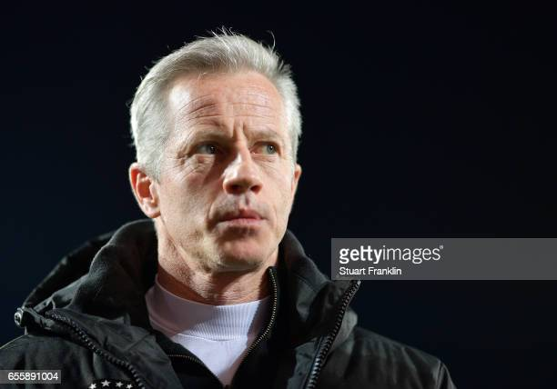 Jens Keller head coach of Berlin looks on during the Second Bundesliga match between 1 FC Union Berlin and 1 FC Nuernberg at Stadion An der Alten...