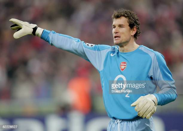 Jens Lehmann of Arsenal gives orders during the Champions League second round, first leg match between Bayern Munich and Arsenal at the Olympic...