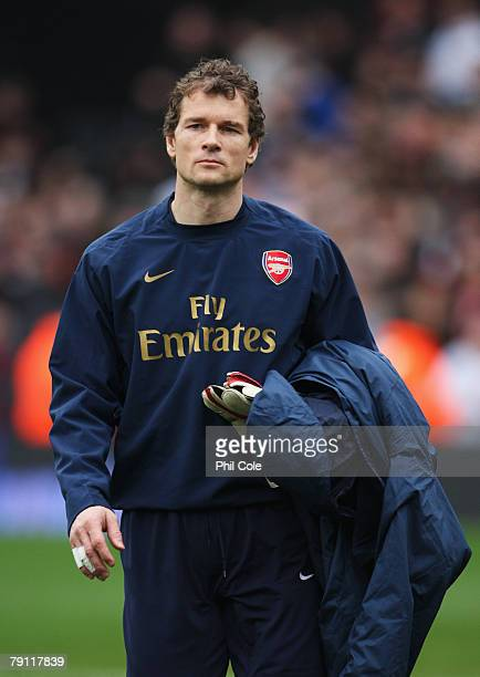 Jens Lehmann of Arsenal walks to the bench prior to the Barclays Premier League match between Fulham and Arsenal at Craven Cottage of January 19 2008...