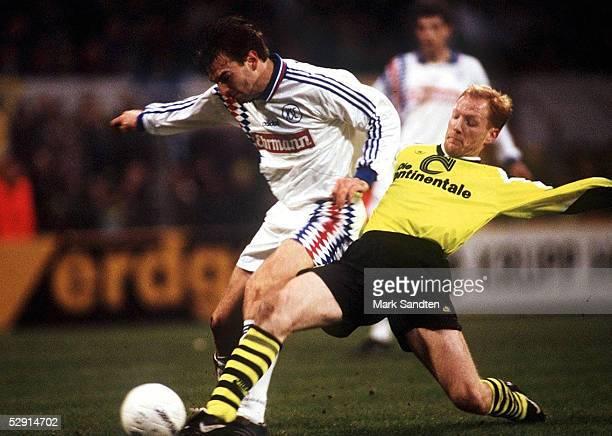 FUSSBALL DORTMUND KSC 181195 41 Jens NOWOTNY/KSV Matthias SAMMER/Dortmund