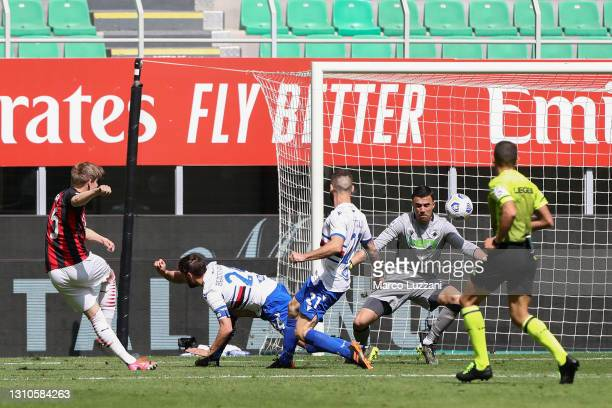 Jens Petter Hauge of A.C. Milan scores their team's first goal during the Serie A match between AC Milan and UC Sampdoria at Stadio Giuseppe Meazza...