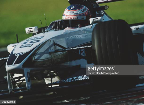 Jenson Button of Great Britain drives the BMW Williams F1 Team Williams FW22 BMW V10 during the Formula One Italian Grand Prix on 10 September 2000...