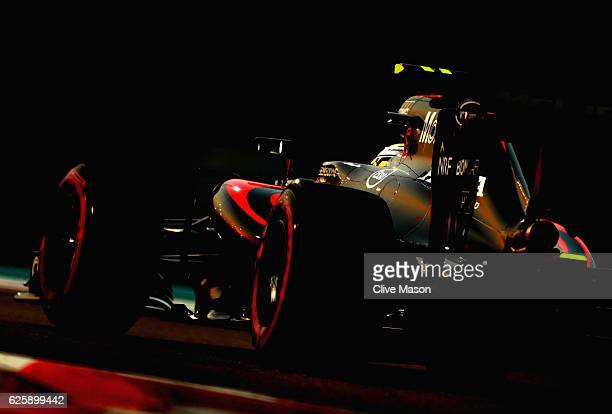 Jenson Button of Great Britain driving the McLaren Honda Formula 1 Team McLaren MP431 Honda RA616H Hybrid turbo on track during qualifying for the...