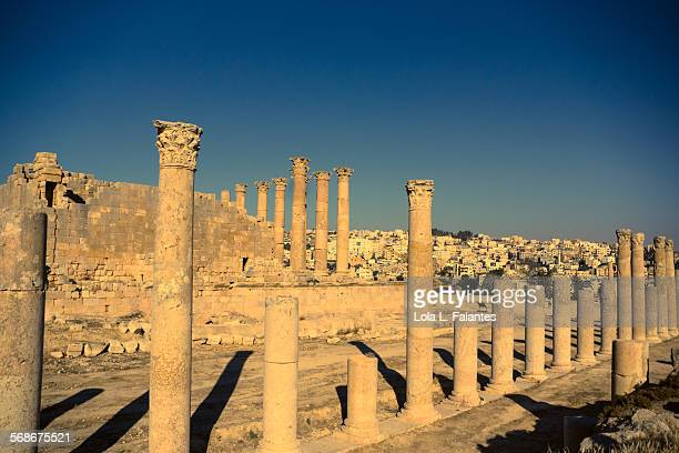 jerash ancien and new - roman decapolis city stock pictures, royalty-free photos & images