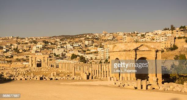 jerash northern tetrapylon - roman decapolis city stock pictures, royalty-free photos & images