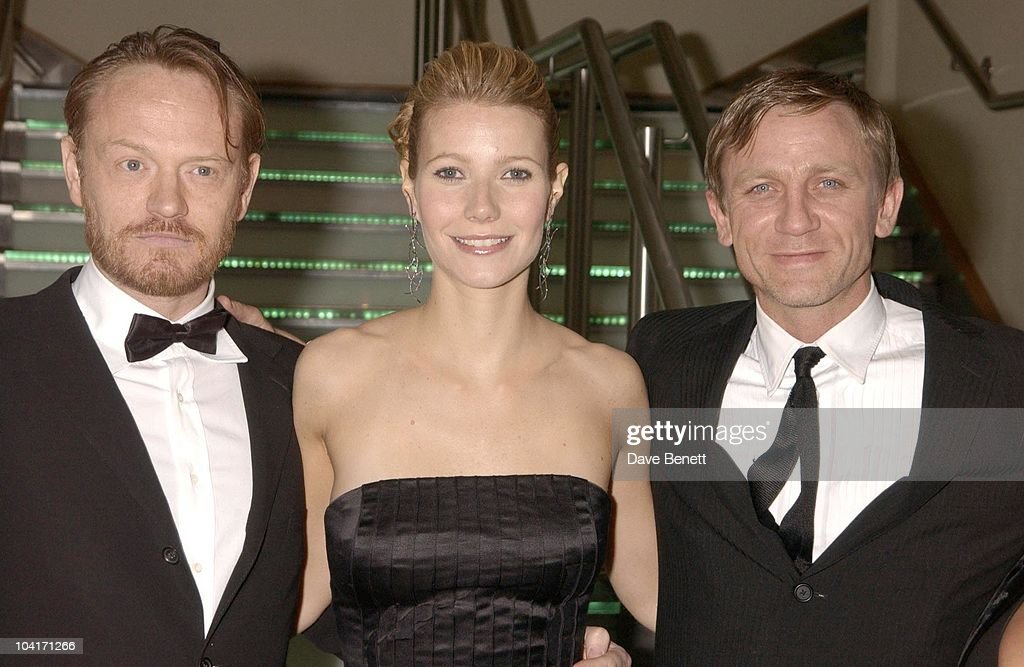 Jered Harris, Gwyneth Paltrow With Daniel Craig, Sylvia Movie Screening Starring Gwyneth Paltrow At The Closing Gala Of The London Film Festival, At The Odeon, Leicester Square, London