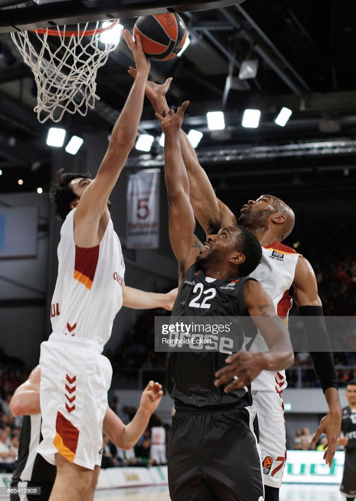 Jerel McNeal, #22 of Brose Bamberg competes with Alex Tyus, #7 of Galatasaray Odeabank Istanbul during the 2016/2017 Turkish Airlines EuroLeague Regular Season Round 30 game between Brose Bamberg v Galatasaray Odeabank Istanbul at Brose Arena on April 6, 2017 in Bamberg, Germany.