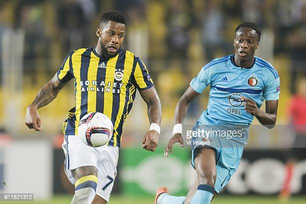 Jeremain Lens of Fenerbahce Terence Kongolo of Feyenoordduring the UEFA Europa Leaguegroup A match between Fenerbahce and Feyenoord Rotterdam on...