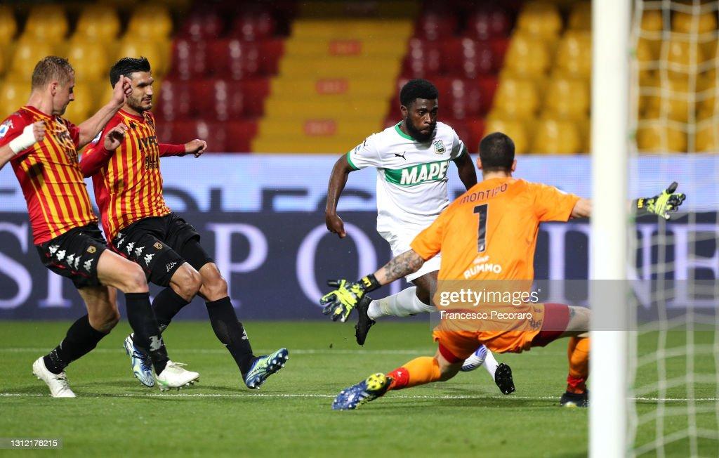Benevento Calcio  v US Sassuolo - Serie A : ニュース写真