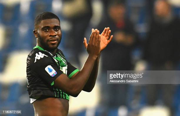 Jeremie Boga of US Sassuolo celebrates the victory after the Serie A match between US Sassuolo and Bologna FC at Mapei Stadium Città del Tricolore...