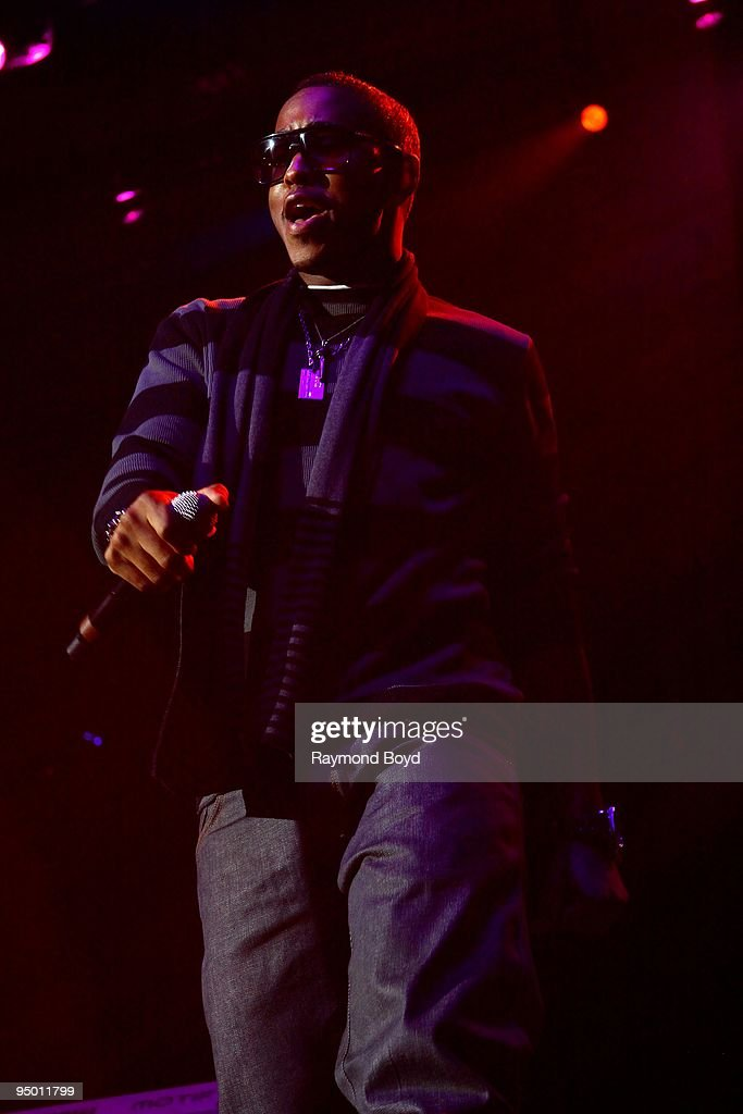 Jeremih performs at the Allstate Arena in Rosemont, Illinois on December 12, 2009.