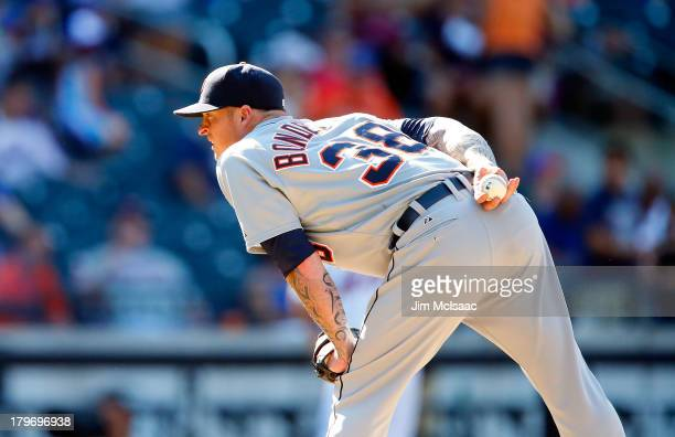 Jeremy Bonderman of the Detroit Tigers in action against the New York Mets at Citi Field on August 25 2013 in the Flushing neighborhood of the Queens...