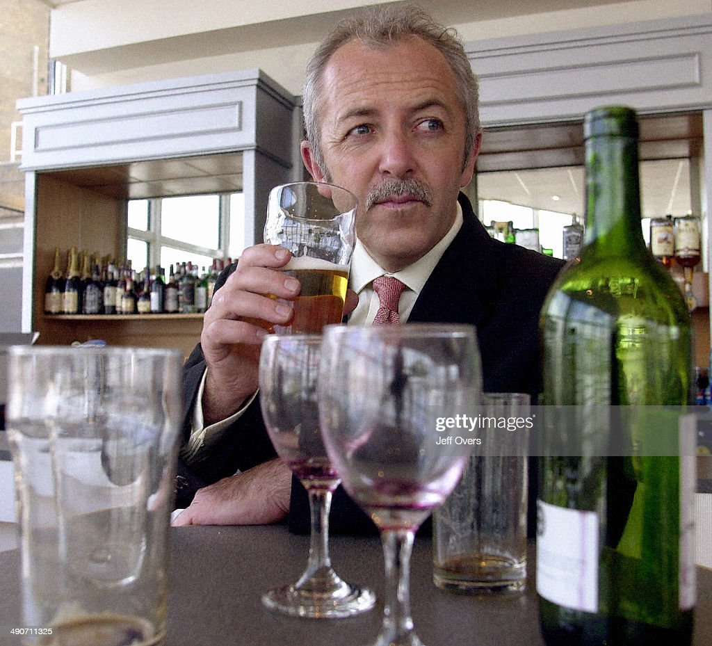 Booze : News Photo