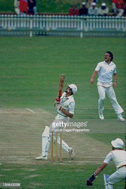 Jeremy Coney hooks Ian Botham during his 174 New Zealand v England 1st Test Wellington January 1983 84