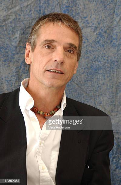 Jeremy Irons during 'Being Julia' Press Conference with Annette Bening Jeremy Irons and Istvan Szabo at Four Seasons Hotel in Toronto Canada
