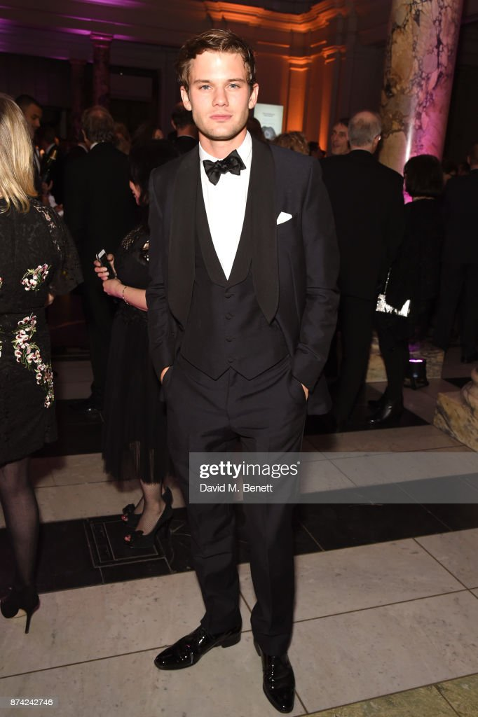 Jeremy Irvine attends The Sugarplum Dinner 2017 in aid of type 1 diabetes charity JDRF at The V&A on November 14, 2017 in London, England.