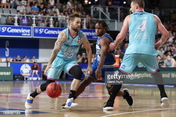 Jeremy Kendle of the Breakers with the ball during the round 11 NBL match between the Brisbane Bullets and the New Zealand Breakers at Nissan Arena...