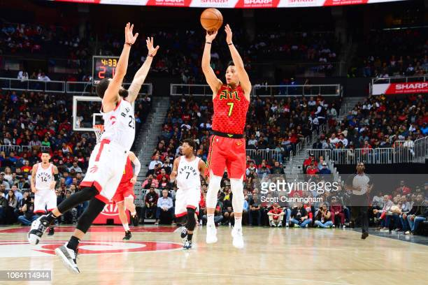 Jeremy Lin of the Atlanta Hawks shoots the ball during the game against Fred VanVleet of the Toronto Raptors on November 21 2018 at the State Farm...